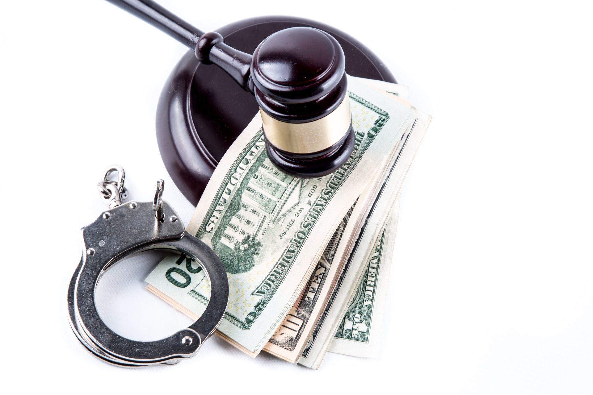 judge-gavel-handcuffs-and-money-1461289438fb3