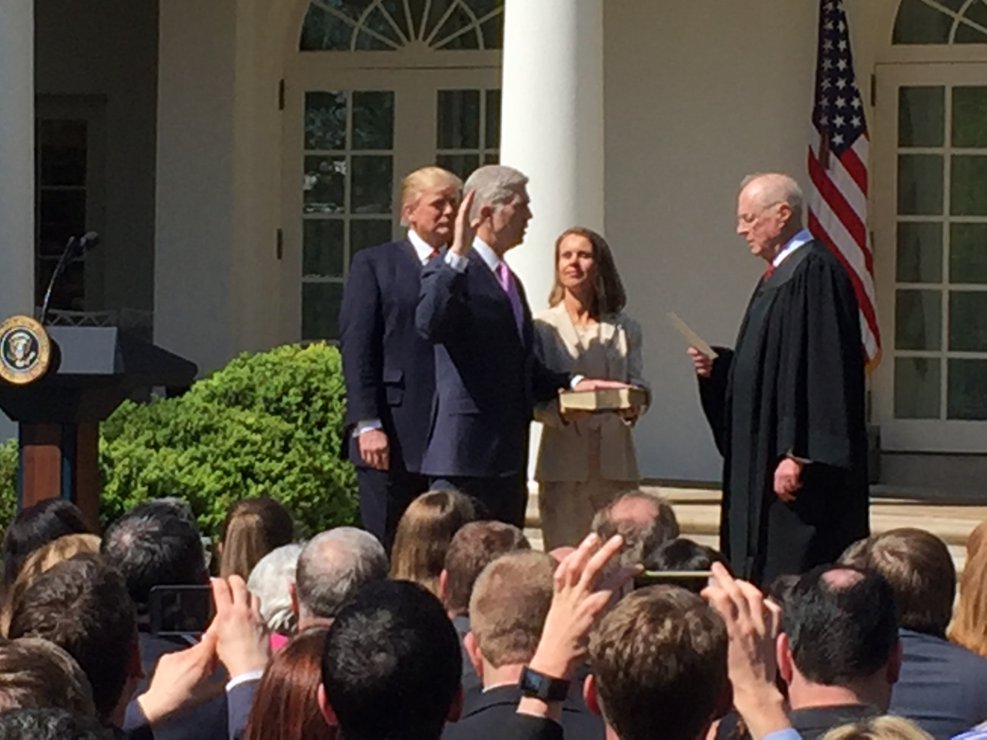 """A """"view"""" from the Rose Garden: Neil Gorsuch takes the judicial oath"""